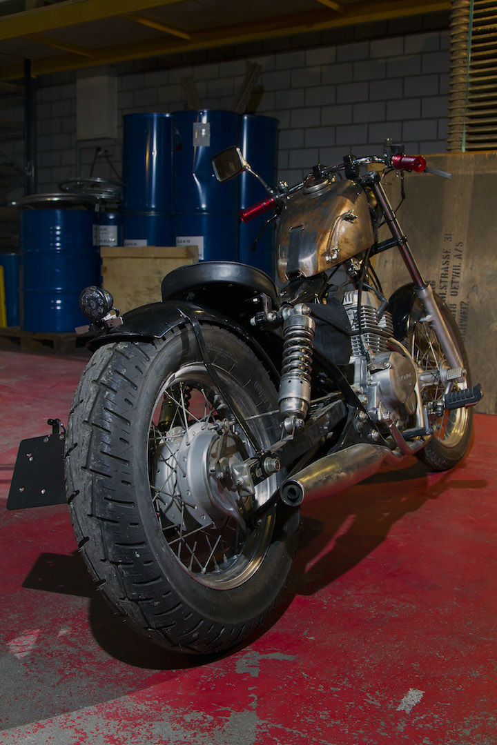 rocket-sprocket-customs_honda-ca125-bobber-mini_03